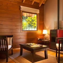 ห้องทานข้าว by Patagonia Log Homes - Arquitectos - Neuquén