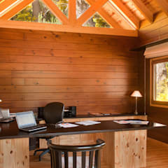 Study/office by Patagonia Log Homes