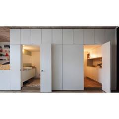 Quintana 4598: Ventanas de estilo  por IR arquitectura