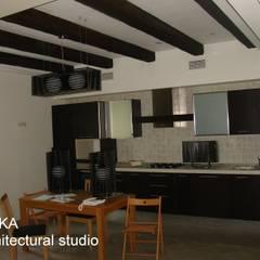Дом в Малаховке Кухня в стиле модерн от AR-KA architectural studio Модерн