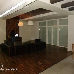 Дом в Малаховке Гостиная в стиле модерн от AR-KA architectural studio Модерн