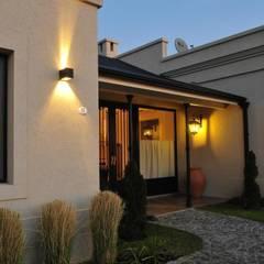 Casa de Campo en Pilar: Casas de estilo  por Parrado Arquitectura