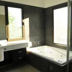 حمام تنفيذ Parrado Arquitectura