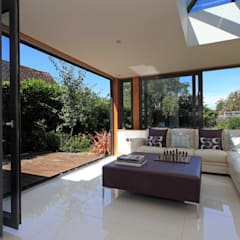 Refurbishment project West Sussex: minimalistic Conservatory by At No 19
