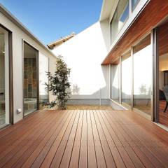 Jardines de estilo  por 一級建築士事務所haus