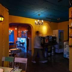 과나후아토 컨셉의 공간: Design m4의  레스토랑
