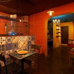 멕시코를 연상시키는 소품들 : Design m4의  레스토랑