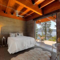 Coeur D'Alene Residence:  Bedroom by Uptic Studios