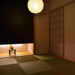 黒川の家: 株式会社アトリエカレラが手掛けた和室です。,クラシック