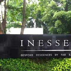 Inessence Sales Gallery:  Garden by Tinderbox  Landscape Studio,Tropical