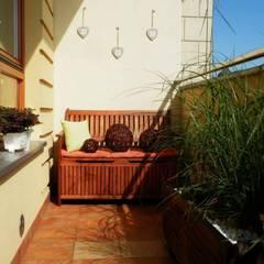 Terrasse von ARCHITEKTONIA Studio Architektury Krajobrazu Agnieszka Szamocka -Niemas, Klassisch