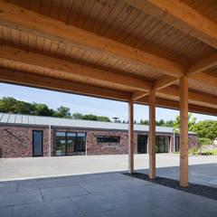 Wohnhaus Blechhof Dormagen: minimalistischer Garten von Wichmann Architekten Ingenieure GmbH