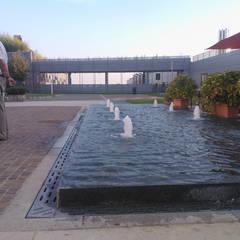 L'acqua diventa eccitante quando è in movimento: Ospedali in stile  di Carrara Irrigazione