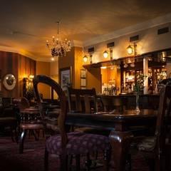 Pub in London: Bar & Club in stile  di FullRigged