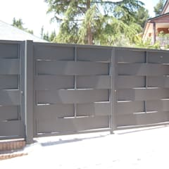 Garage Doors by CIERRES METALICOS AVILA, S.L.