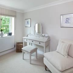 Cotswold Cottage:  Dressing room by Emma & Eve Interior Design Ltd