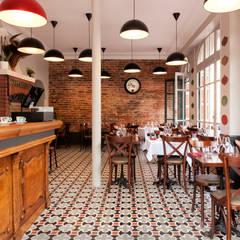 Les Créations des architectes de RencontreUnArchi.com: Restaurants de style  par RencontreUnArchi