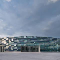 Ospedale del Mare di Napoli: Ospedali in stile  di Mario Ferrara