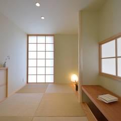 Media room by 株式会社北村建築工房, Asian