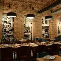 REGIE OTTOMAN HOTEL : Lieux d'événements de style  par FCKN DESIGN