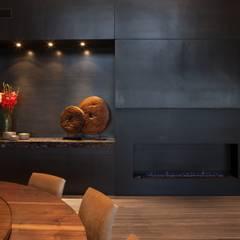 Casa CH: Paredes de estilo  por GLR Arquitectos