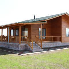 Casas pré-fabricadas  por Kuloğlu Orman Ürünleri