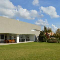 Casas  por MZM | Maletti Zanel Maletti arquitectos