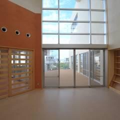 うるま市きむたかこどもセンター: 株式会社STN建築工房が手掛けた学校です。