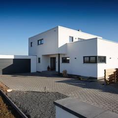 Flat roof by FingerHaus GmbH - Bauunternehmen in Frankenberg (Eder),