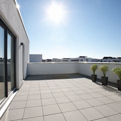 ARCHITEKTUR TREND - Freiraum zum Wohlfühlen:  Terrasse von FingerHaus GmbH - Bauunternehmen in Frankenberg (Eder)
