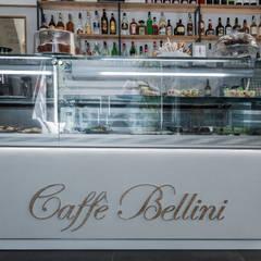 Bellini: Bar & Club in stile  di lollo e dado
