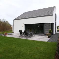 Haus K - Holzständerhaus in Wegberg:  Häuser von Architektur Jansen