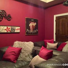 Multimedia-Raum von MARIANGEL COGHLAN,