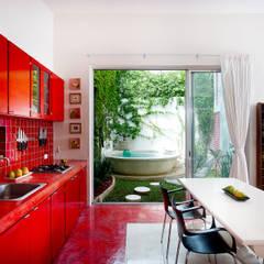 Casa Santiago 49: Cocinas de estilo  por Taller Estilo Arquitectura