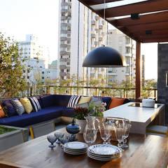 Terrace by MANDRIL ARQUITETURA E INTERIORES