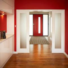 House in Chandlers Ford II:  Corridor & hallway by LA Hally Architect, Modern