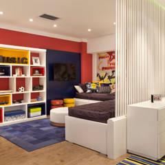 Mostra Decora Líder 2013: Lojas e imóveis comerciais  por Ana Adriano Design de Interiores,