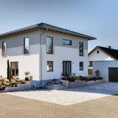 BRAVUR 400 - Platz für all Ihre Wünsche:  Einfamilienhaus von FingerHaus GmbH - Bauunternehmen in Frankenberg (Eder)