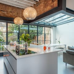 Full House Renovation with Crittall Extension, London:  Kitchen by HollandGreen