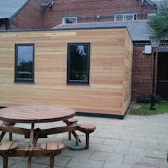 Play Box Hull - Timber Clad Play Room:  Nursery/kid's room by Building With Frames