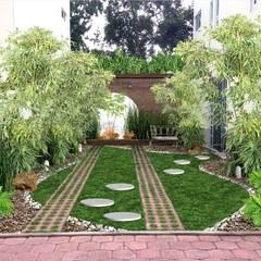 jardín de bambú: Jardines de estilo  por Zen Ambient
