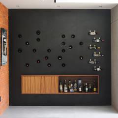 Mueble bar: Salas de estilo  por Mediamadera