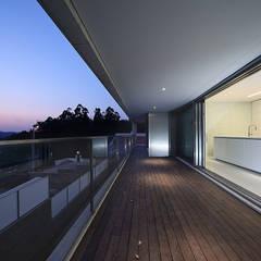 بلكونة أو شرفة تنفيذ Albertina Oliveira-Arquitetura Unipessoal Lda