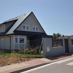 Casa canadiense en La Rioja: Casas de estilo  de Canexel