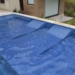 Kolam Renang oleh Revah Arqs, Modern