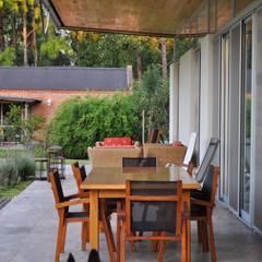 PROYECTO LANFRANCO: Terrazas de estilo  por Baltera Arquitectura
