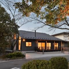 Maisons de style  par 若山建築設計事務所