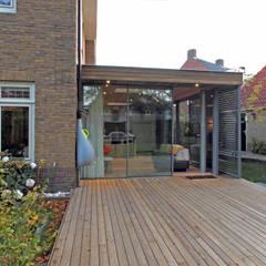 بيت زجاجي تنفيذ Roorda Architectural Studio