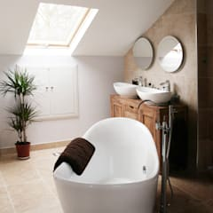 Chiswick, Hounslow W4, London | House extension:  Bathroom by GOAStudio | London residential architecture