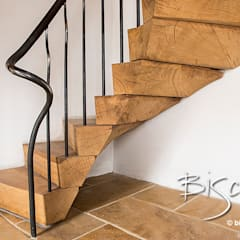 Rustic Staircase by Bisca:  Corridor & hallway by Bisca Staircases